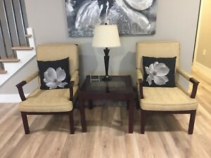 Accent chairs with end table
