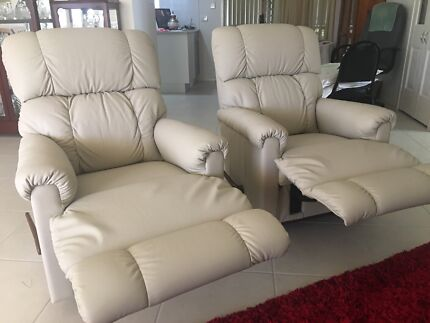 2 Brand new leather recliner chairs
