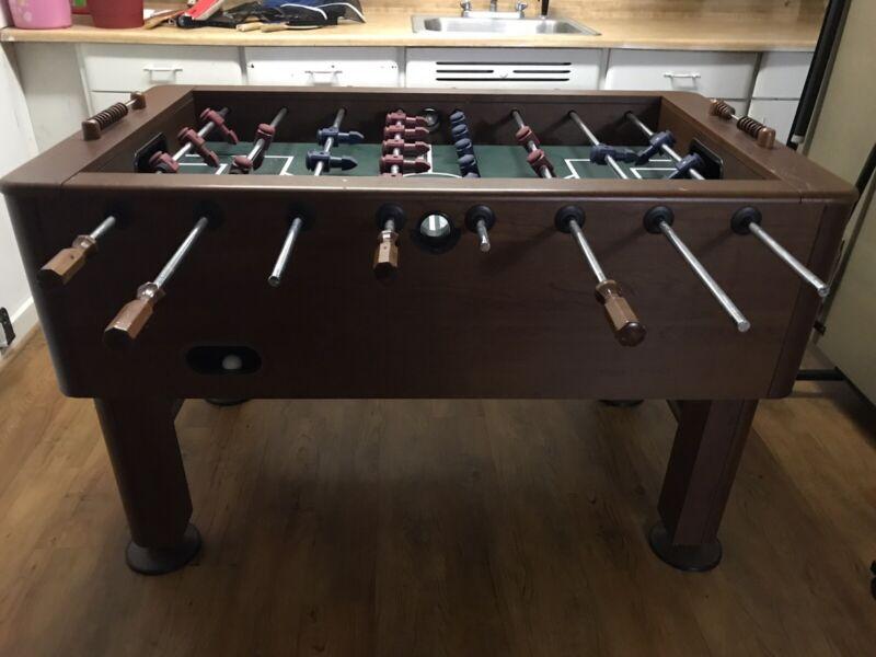 harvard wooden foosball table with minimum ware