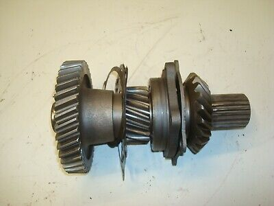 1963 Case 831 Tractor Transmission Gear Shaft Assembly 830