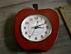 RED APPLE KITCHEN ROYALE WALL CLOCK EASY READ NUMBERS WORKS! Missing Stem