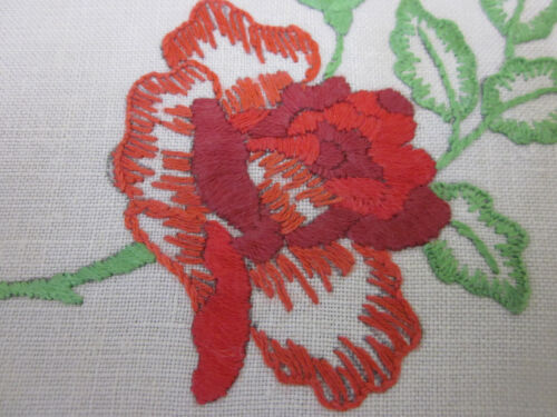 VINTAGE HAND EMBROIDERED CLASSIC RED ROSE SANDWICH TRAY DOILEY