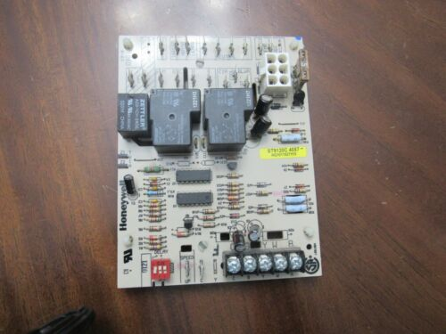 Honeywell Furnace Control Board  ST9120C 4057   HQ1011927HW