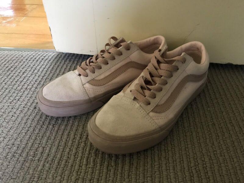 3fb6779c05 Vans Old Skool pink sneakers