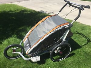 Chariot CX2 in Excellent Condition with Accessories for Sale!