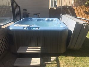 Excellent deal dynasty hot tub spa for sale! Price reduced!!