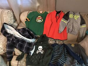 Lot of boys sweaters - size 5