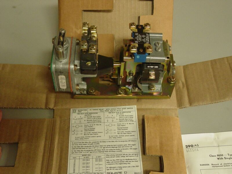 SQUARE D PNEUMATIC TIMING RELAY 9050 B02E SINGLE POLE TIMED CONTACTS 9050B02EV02