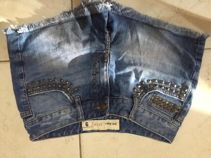 Just jeans shorts Forster Great Lakes Area Preview