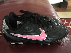 Soccer cleats, girls size 10