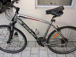 giant roam 3   2014 model as new $ 350 Malaga Swan Area Preview