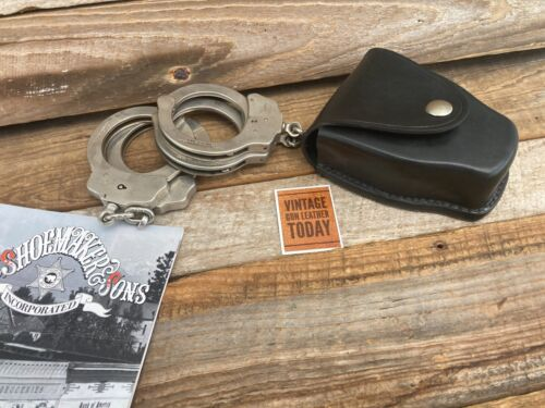 Tex Shoemaker 204 C Plain Black Leather Double Cuff Case Handcuff Holder Nickel