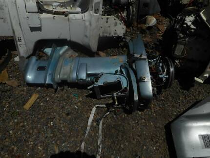 JOHNSON/EV 30 HP OUTBOARD MOTOR  ,WRECKING PARTS FROM $25