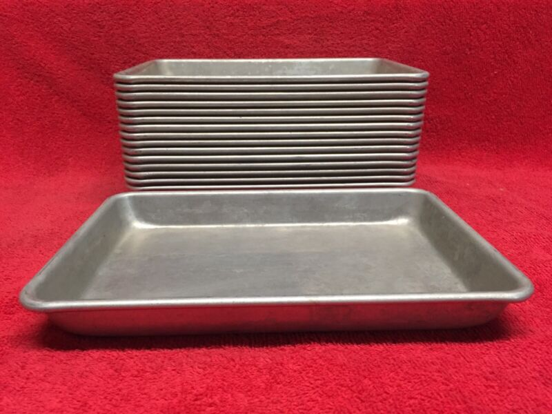 Vintage Chicago Metallic Made In The USA Aluminum Baking 1/8 Sheet Bun Pan