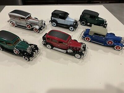 Signature Series LOT OF 6 DIECAST 1:32 SCALE CARS Great Condition And Variety