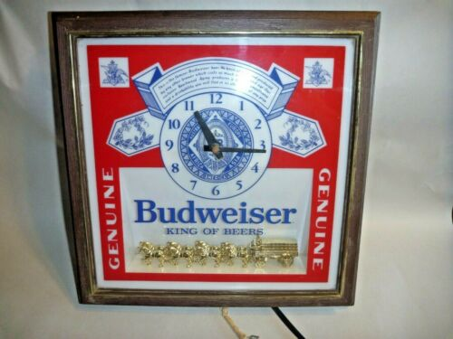 BUDWEISER Lighted CLOCK w/ CLYDESDALES