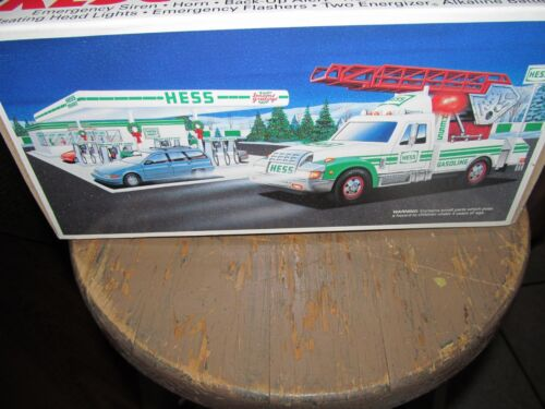 HESS 1994 Rescue Truck Collectible (New)