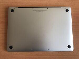 MacBook 12 inch silver 2015 model with 512GB/1.2GHz/8GB ram