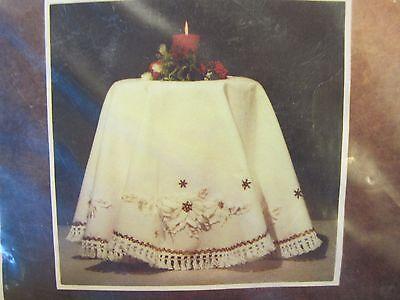 Vintage Edna Looney ALL WHITE POINSETTIAS Christmas Tree Skirt Tablecloth Kit 52