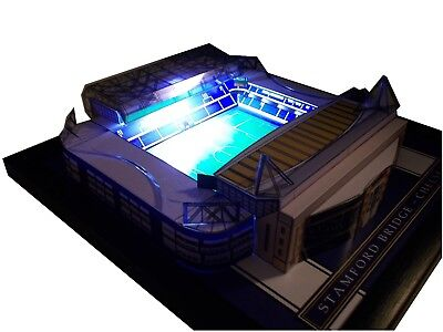 Chelsea Stamford Bridge (CHELSEA STAMFORD BRIDGE MODEL STADIUM WITH WORKING FLOODLIGHTS )
