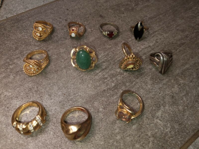 LOT of 11 costume jewelry rings
