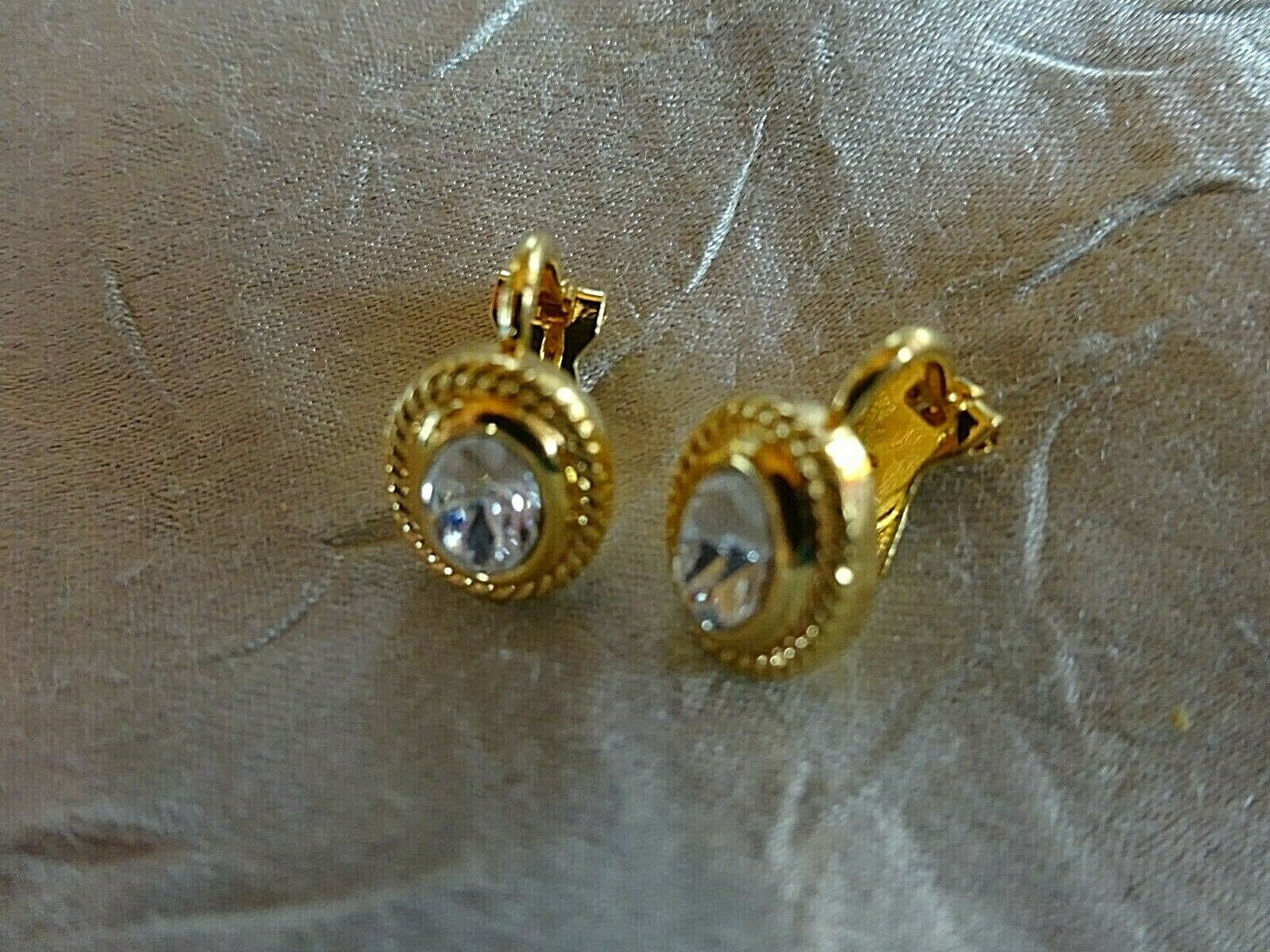 Süße Ohrclips gold farben Glitzersteinchen 0,9 cm Fashion