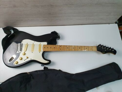 Vintage Hondo DELUXE Series 760 Stratocaster electric guitar