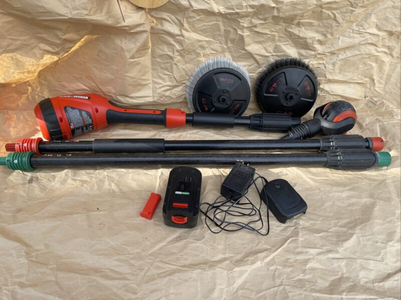 Black & Decker 18V Cordless Electric Power Scrubber w/14ft. Reach NPS11018 Used