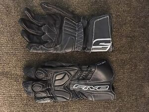 Medium- five motorcycle gloves
