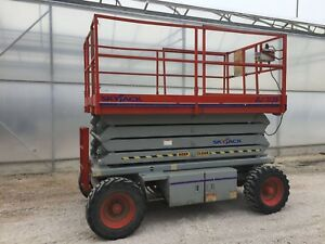 Skyjack scissor lift for rent