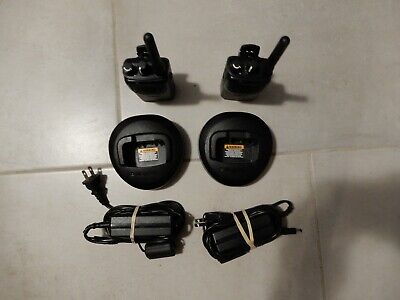 Lot Of 2 Motorola Mag One Bpr40 Two Way Radio Aah84rcs8aa1an Charger Power