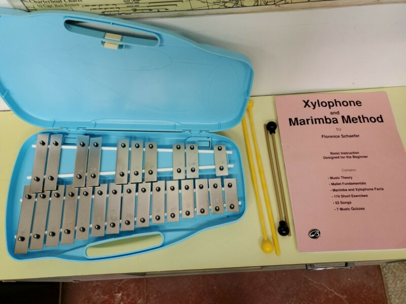 Xylophone (Glockenspiel) 25 Note by Trophy Music Co. w/Case, Mallets & Songbook