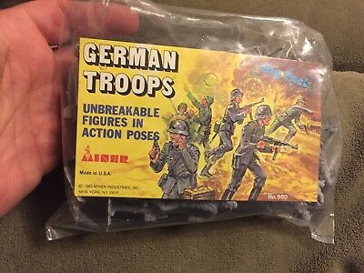 MPC WWII German Infantry Toy Soldiers 1/32 D-Day Playset Diorama