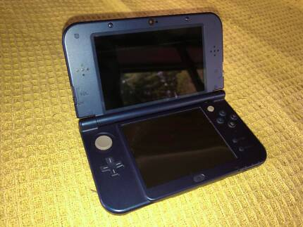 Used New Nintendo 3DS XL Blue + 3 Games and charger