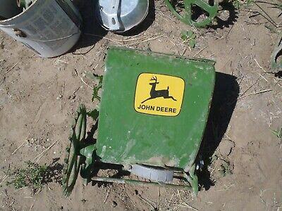 John Deere Fertilizer Drop Box Planter  Chain Drive Type 2 Leg