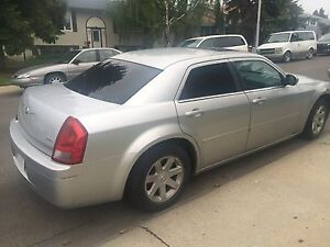 2005 Chrysler 300 with navigation system