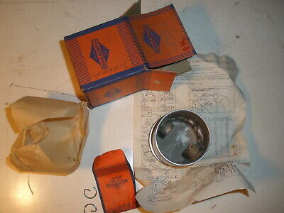 Briggs Stratton Gas Engine Piston Assembly 293400 New Old Stock Vintage