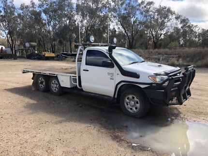 2006 6 Wheel SR Hilux Turbo Diesel Moree Moree Plains Preview