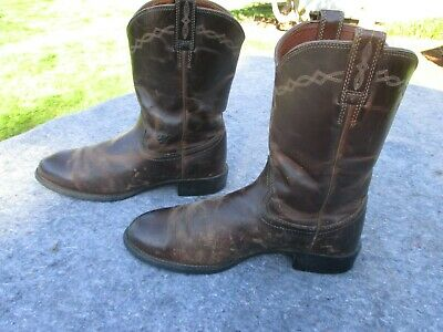 - MEN'S SIZE 10 1/2 D ARIAT BROWN DISTRESSED LOOK COWBOY BOOTS