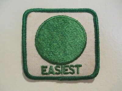VINTAGE - EASIEST PATCH - GREEN CIRCLE - BEGINNERS SKI SLOPE SYMBOL - NOS