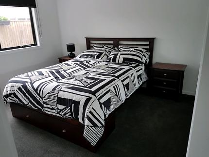 Queen timber bedroom suite