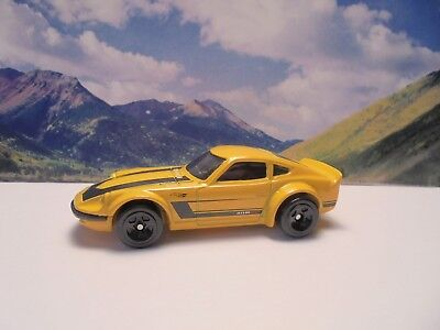 NISSAN FAIRLADY Z   2019 Hot Wheels Nissan Series    Yellow