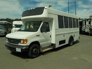 2007 Ford Econoline E-450 13 Passenger Bus Diesel with Wheelchai