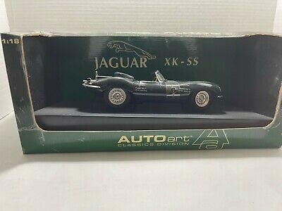 Auto Art 1:18 Die Cast Metal CarJaguar XK - SS Cabriolet Green