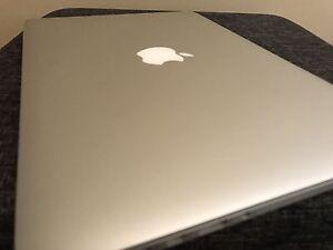 MacBook Pro Retina intel 2.7/8GB RAM/512 GB SSD