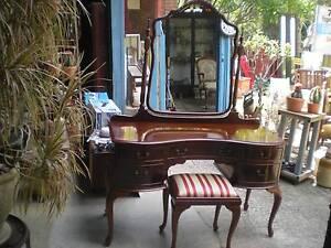 Cedar dressing table, mirror & stool Windsor Hawkesbury Area Preview