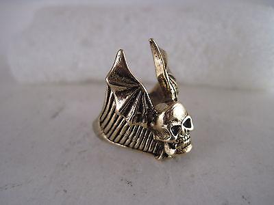 Winged  Skull ring size   9    (3jn5  15 )