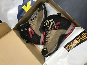 Size 12.5 Asolo hiking boots Coorparoo Brisbane South East Preview