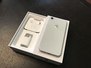 iPhone 8 64GB - Silver (Unlocked)