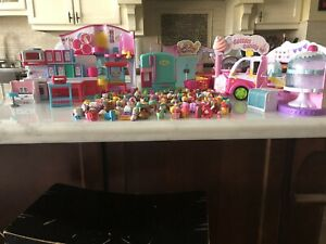 Shopkins figures and playsets